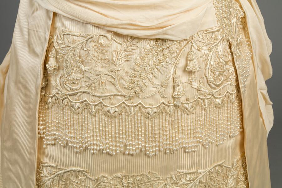Skirt detail view.