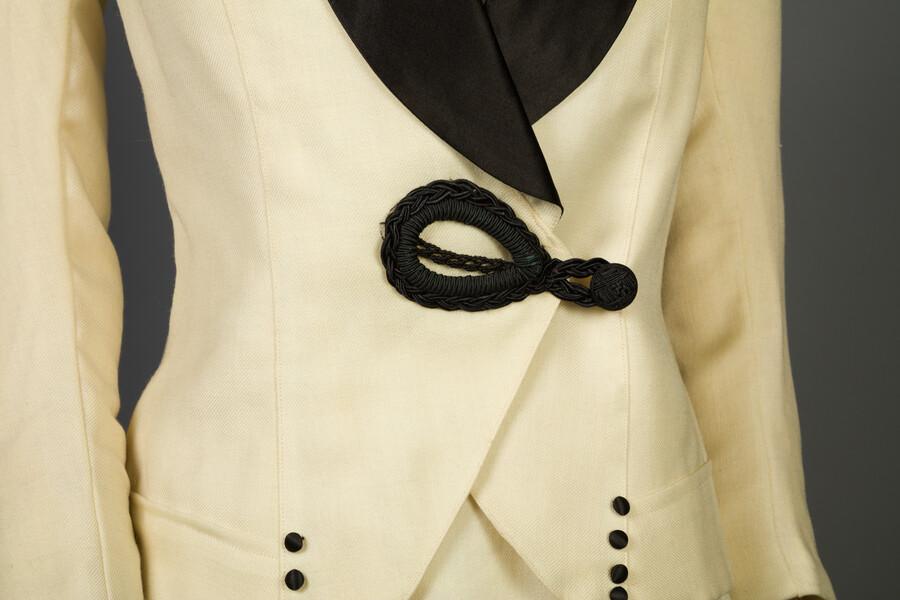 Jacket detail view.