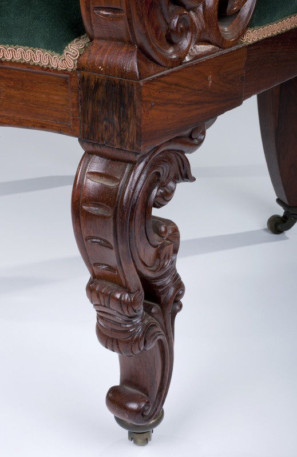 Leg detail.